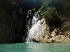 Polylimnio Wasserfälle